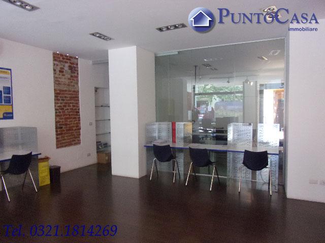 Affittasi  LOCALE COMMERCIALE  in Zona Porta Mortara